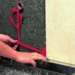 tegel aftekenen voor gat boren in tegel